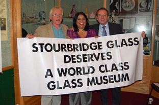 Andy McConnell, from the Antiques Roadshow, with glass campaigner Jan Hendry & Roadshow veteran Eric Knowles.