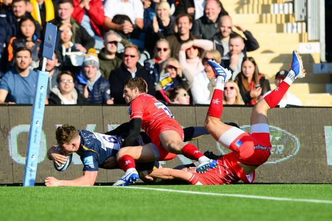 Ted Hill goes over. Picture: Dougie Allward/JMP