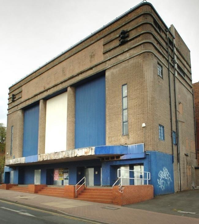 Dudley Hippodrome on Castle Hill, before it was repainted by the Friends group.