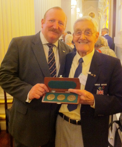 Alastair Kennedy-Rose with cycling legend Tommy Godwin, a double bronze medallist from the London Olympic Games of 1948.