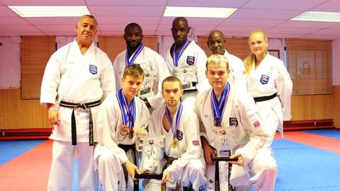 Stourbridge News: Members of the Shukokai club