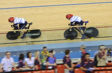 Jess Varnish and Victoria Pendleton in action today PHOTO BY DAVID ASHDOWN