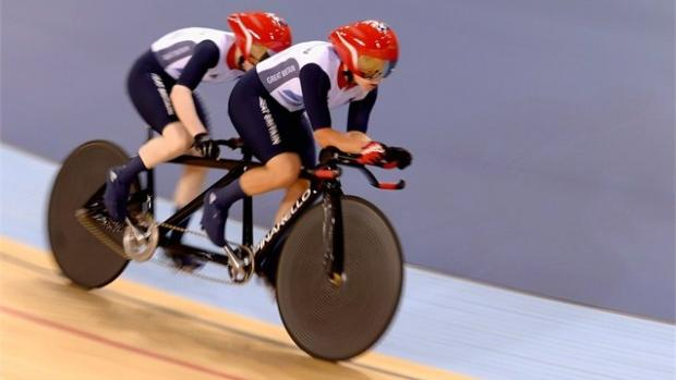 Helen Scott and Aileen McGlynn compete in the 3km pursuit