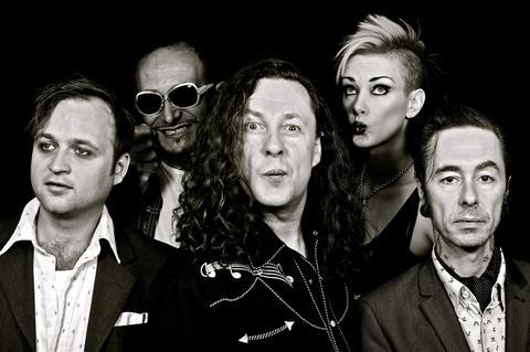 The Wonder Stuff are Stevie Wyatt, Fuzz Townshend, Miles Hunt, Erica Nockalls and Mark McCarthy