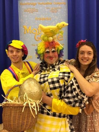 Will Phipps as Silly Billy, Dave Jones as Mother Goose and Lara Mitchell as Jill.