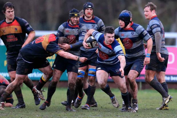 Stourbridge News: Gareth Bown makes a break during last Saturday's 62-0 defeat at Hull. Picture by Ian Jackson