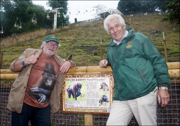 Bill Oddie with the zoo's CEO Peter Suddock.