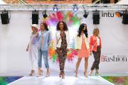 Fashionistas flock to Merry Hill style event