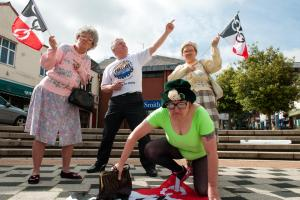 Fizzogs get set to warm up runners at this weekend's Great Black Country Run in Halesowen