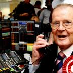 Stourbridge News: Actor Sir Roger Moore dies of cancer aged 89