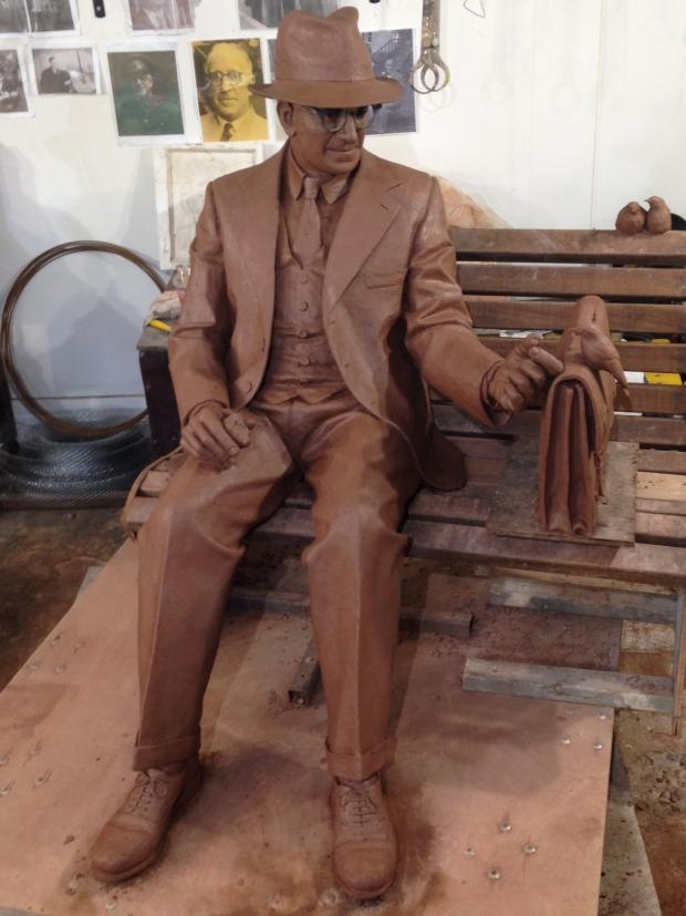 Stourbridge News: Artist Andy de Comyn has completed his full sized clay model of Frank Foley