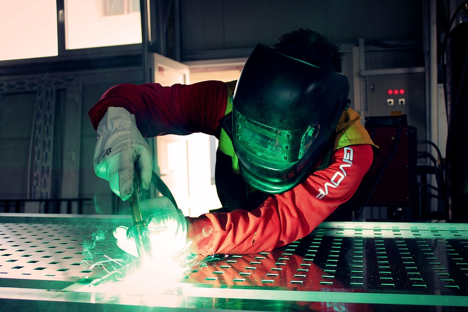 Manufacturers and apprentices invited to enter regional business awards