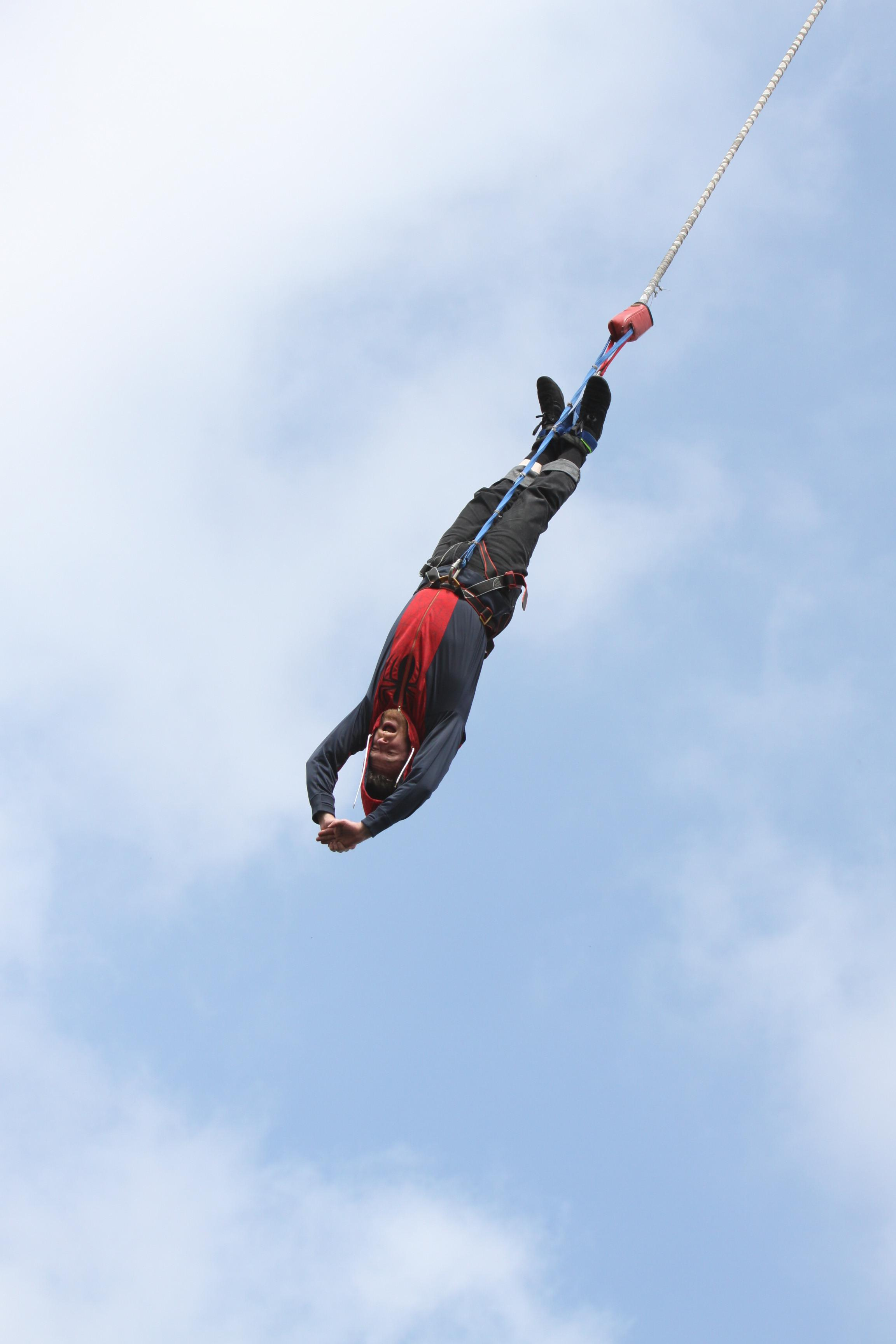 E.ON Kingswinford's Leo Chell has completed a charity bungee jump to raise money for Alzheimer's Society.