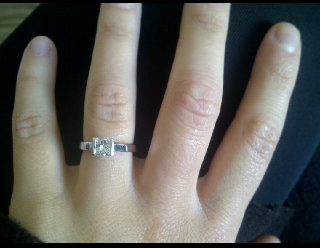 The silver engagement ring that was stolen during a burglary in Fennel Road.