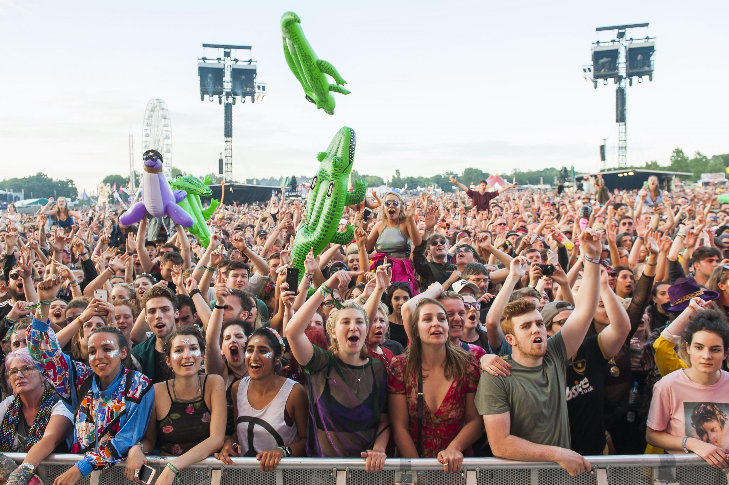 Festival goers in the mainstage crowd during Catfish and the Bottlemen performance on day 3 of the Isle of Wight Festival 2017, Seaclose Park, Isle of Wight. Picture date: Saturday 10th June 2017.  Photo credit should read: © DavidJensen/PA Wire