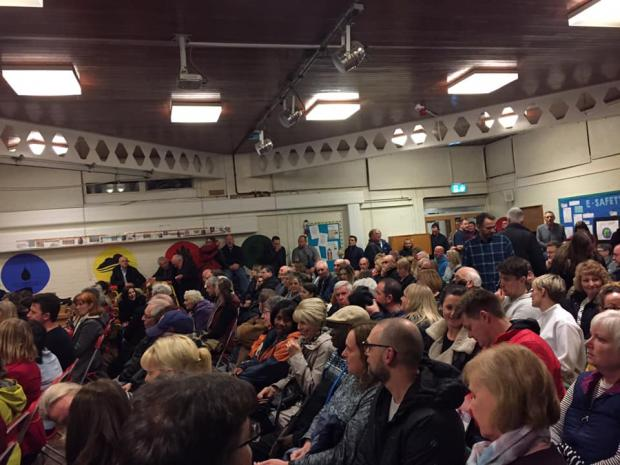 Stourbridge News: Hundreds of residents packed into the meeting at Belle Vue Primary School. Pic courtesy of Adam James