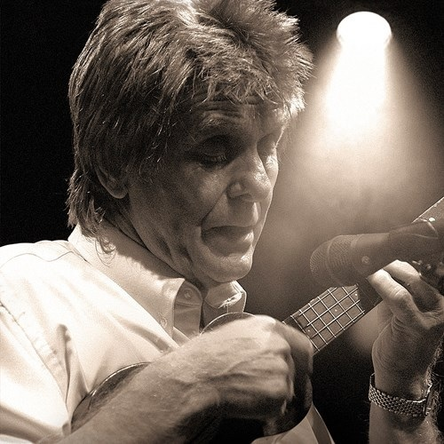 Joe Brown will perform at Dudley Town Hall in September.