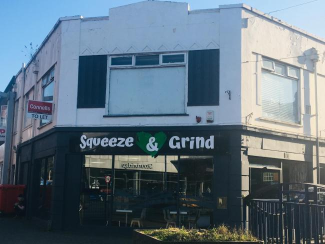 Squeeze & Grind juice and smoothie shop leaves Stourbridge