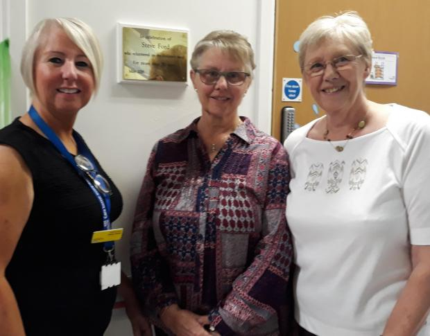 Stourbridge News: Hospital chief executive Diane Wake with relatives Gill Rees and Janice Glover